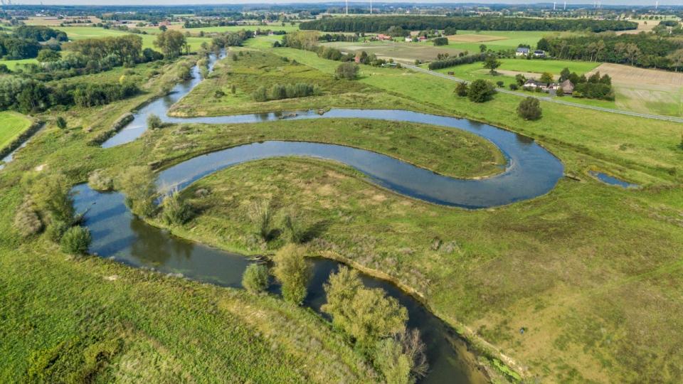 Neu angelegte Flussschlinge zur Schaffung einer typischen Lauflänge bei Lippstadt-Eickelborn