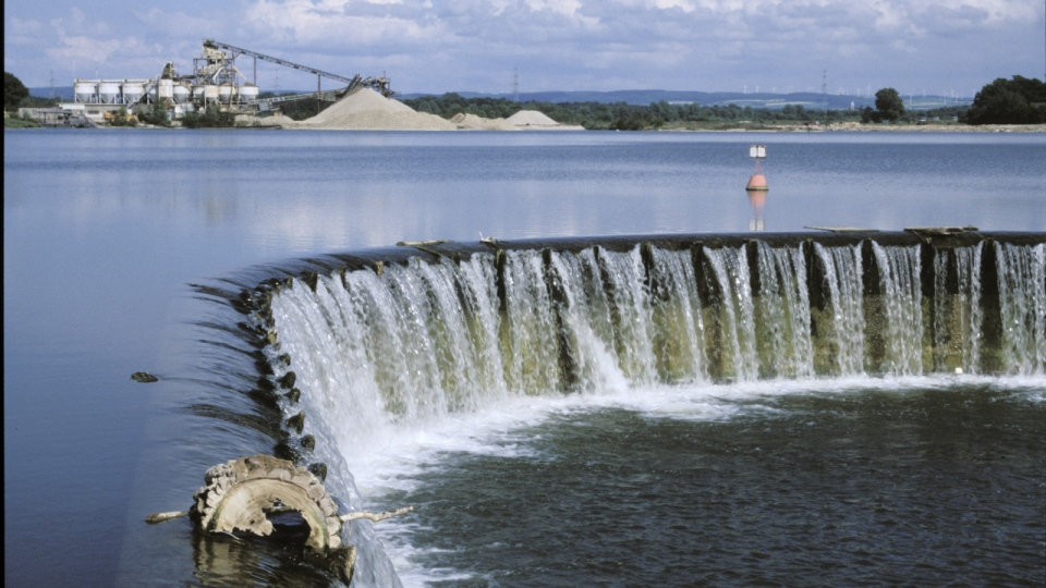 Das alte Auslaufbauwerk des Lippesees