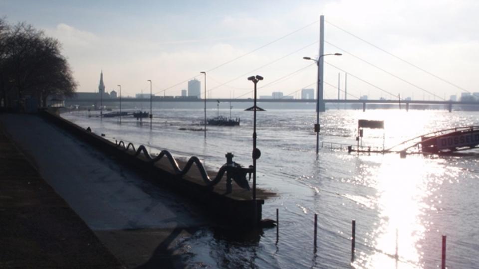 Hochwasser am Rhein – 2011 bei Düsseldorf