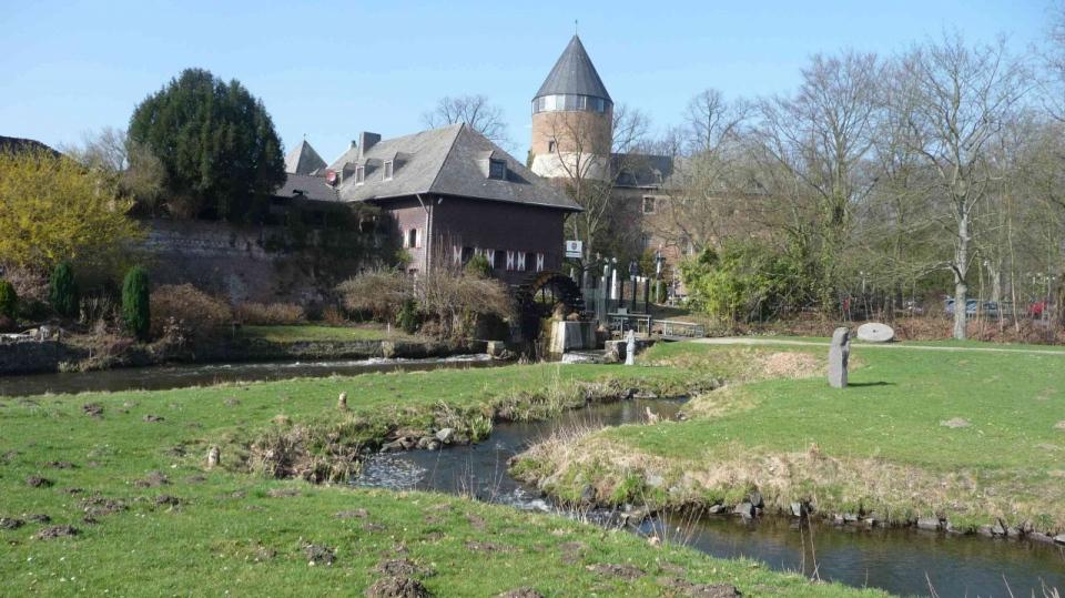 Umgehungsgerinne der Alten Brüggener Mühle an der Schwalm zur Herstellung der Durchgängigkeit