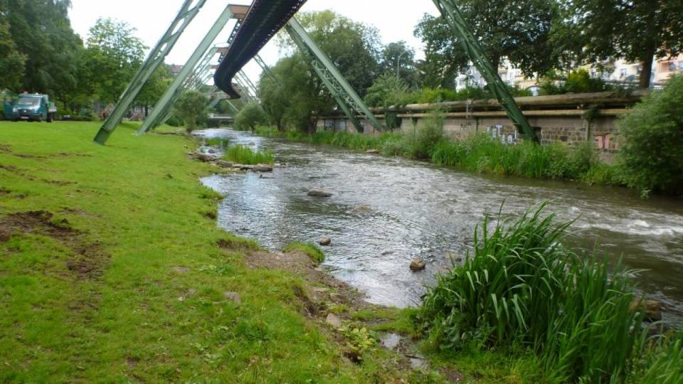 Auch im Stadtgebiet von Wuppertal konnten Maßnahmen zur Verbesserung der Sohl- und Uferstrukturen durchgeführt werden