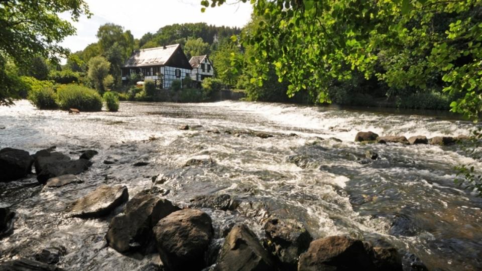 Hochwasser an der Wupper am Wipperkotten