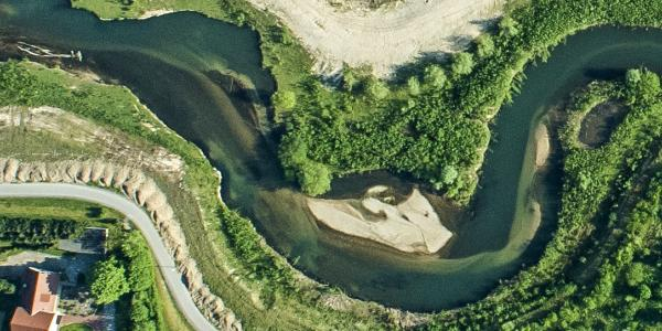 Das neue vielgestaltige Gewässerbett der Lippe