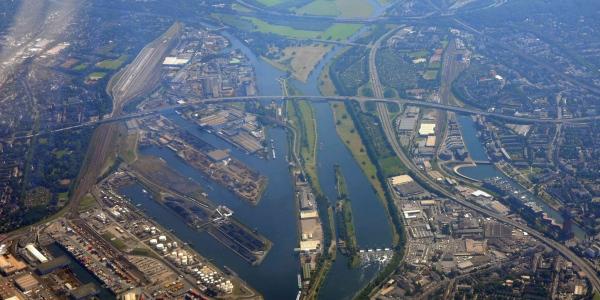 Ruhrunterlauf und Duisburger Hafen