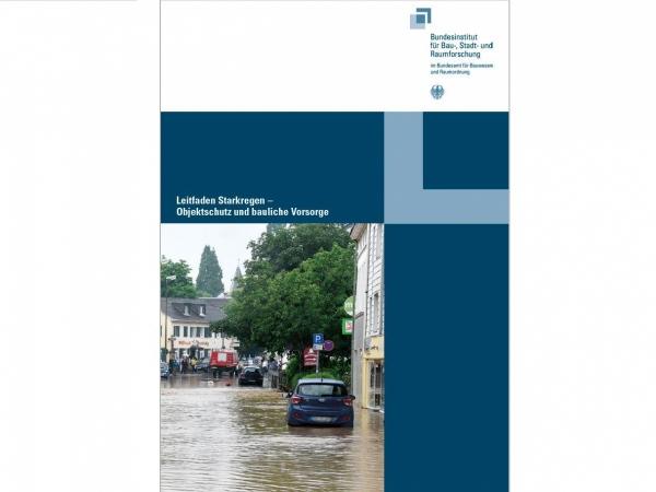 Titelseite leitfaden-starkregen-dl