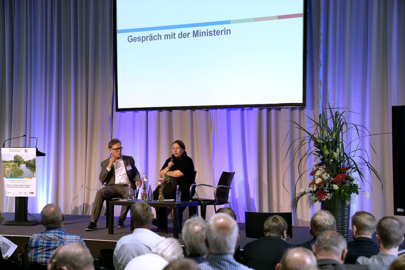 Gespräch mit Ministerin Heinen-Esser